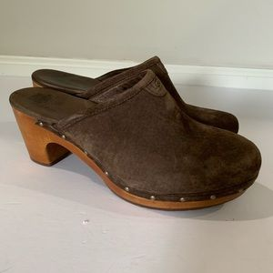 Ugg Abbie mules/clogs 9 brown leather